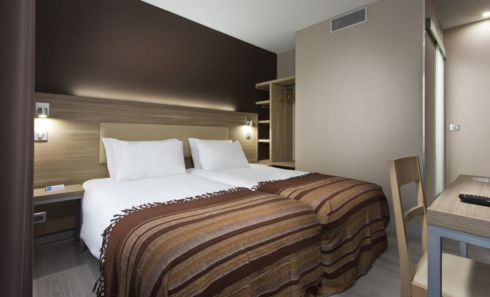 H tel des pavillons paris h tel ternes paris chambre lits jumeaux for Chambre double lits jumeaux